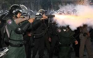 Thai-teargas_1005032c_mod