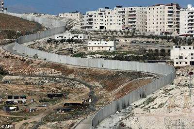 dailymail-separation wall israel-sml